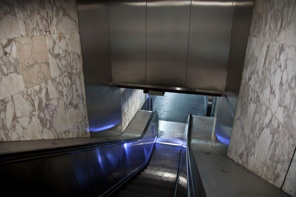 habillage escalator inox